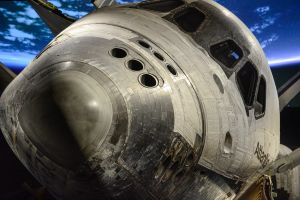 _JC80401_Atlantis_Nose_to_Nose.jpg